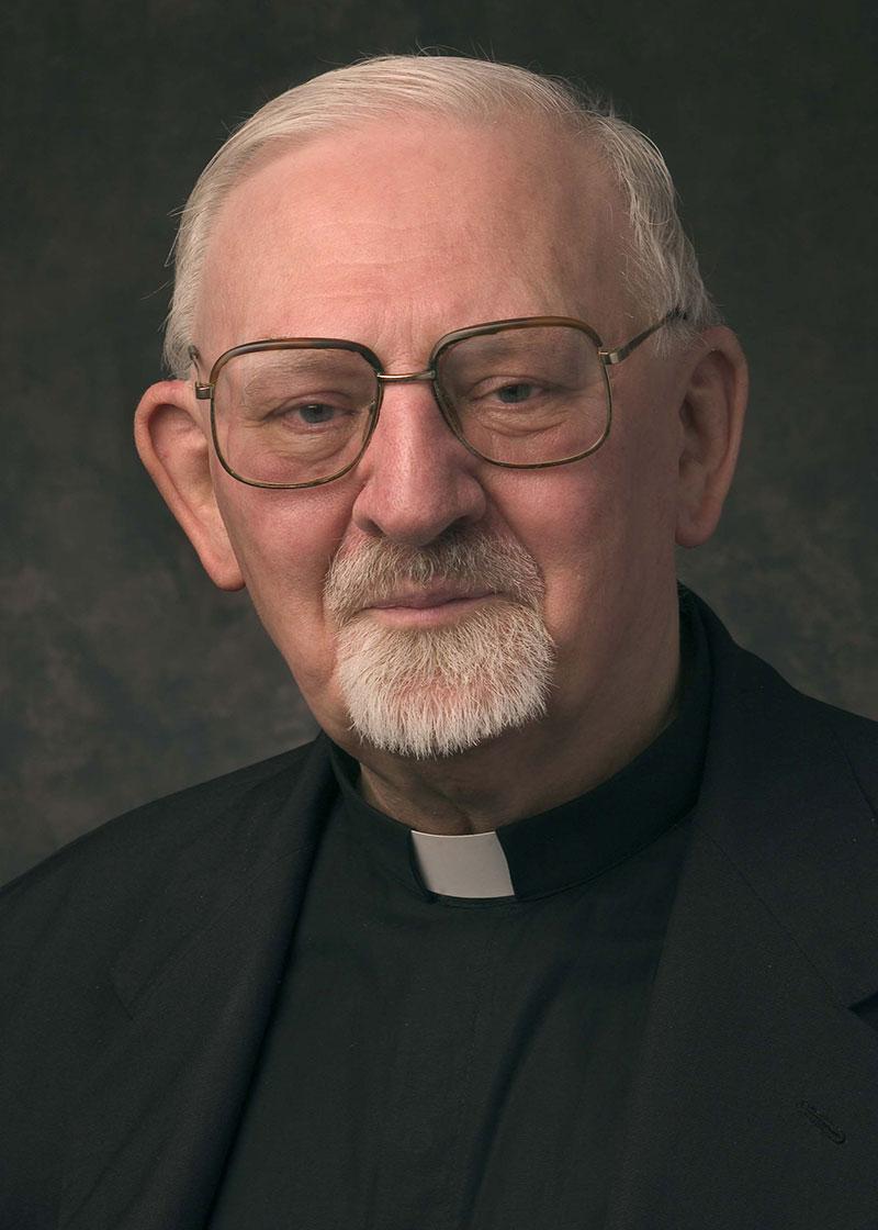 Jesuit-General-Black-Pope-Kolvanbach_800px