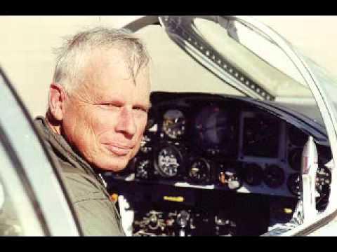"""John Lear, een gepensioneerde luchtvaart-kapitein en voormalige piloot voor de CIA met meer dan 19.000 vlieguren heeft een verklaring onder ede afgelegd dat er geen vliegtuigen in de Twin Towers zijn gevlogen, aangezien dit """"fysiek onmogelijk"""" is."""