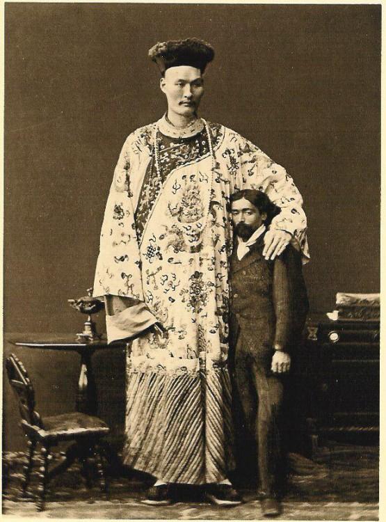 """Chang Woo Gow (±1845-1893) behoorde tot de """"Chinese reuzen"""""""