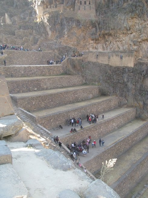 famous-giant-steps-terraces-of-pumatallis-in-ollantaytambo-incan-fortress-peru%ef%bb%bf