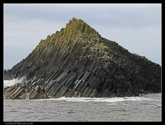 staffa_mull_scotland_G2197