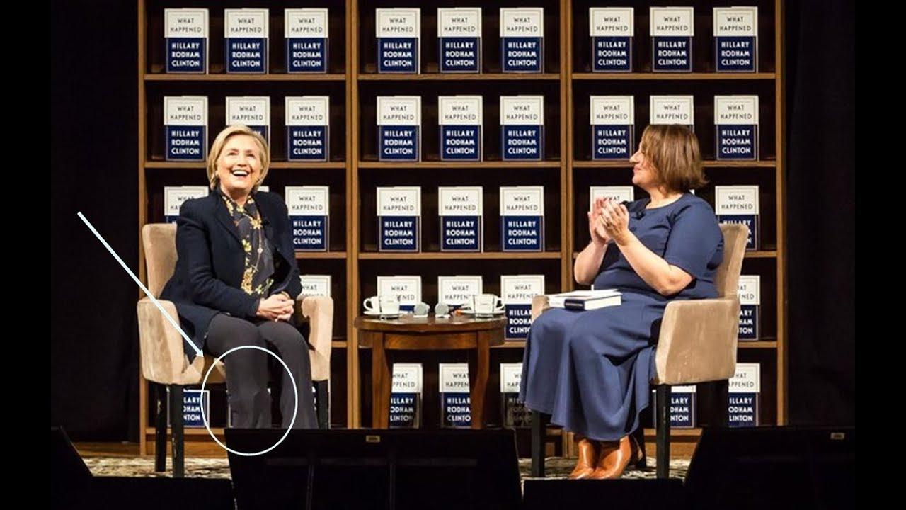 Hillary met 'object' onder broekspijp