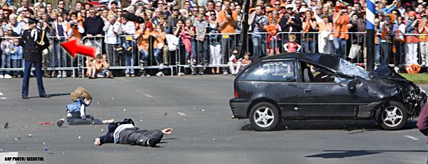 Hoe groot is de kans dat in deze extreme situatie een agent op deze manier reageert, tenzij hij dusdanig geïnstrueerd is?