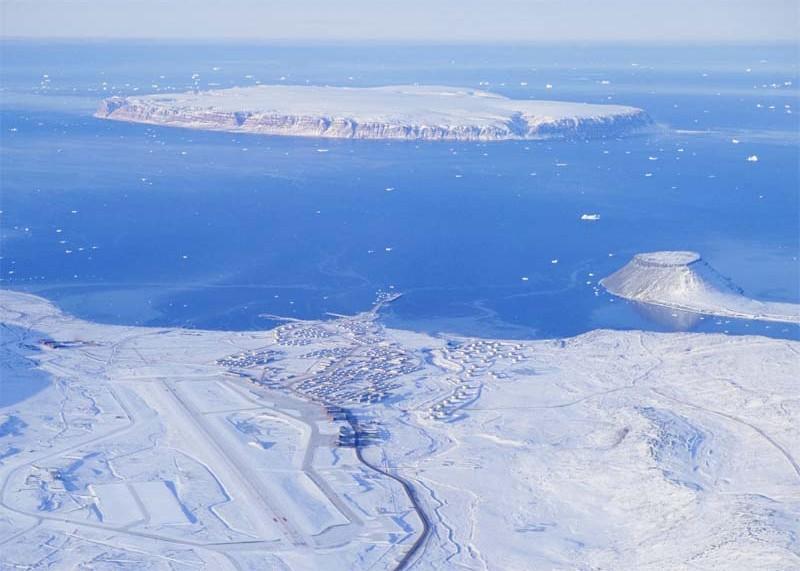 Thule airbase in de sneeuw