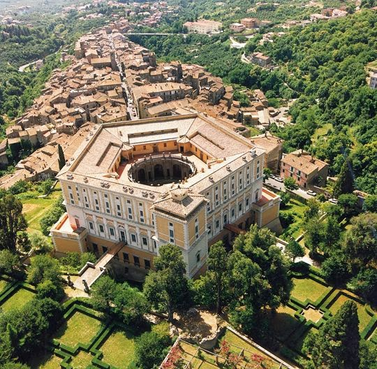 Het Pentagon van de Farnese-familie in Caprarola nabij Rome.