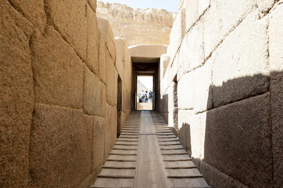 De Valleitempel in Gizeh is gebouwd met stenen afkomstig uit de rots waaruit de Sfinx is gehouwen.