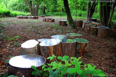 Kunstenaar Lee Borthwick maakt installaties met spiegels in de natuur die zorgen voor een vreedzame vorm van zelfreflectie.