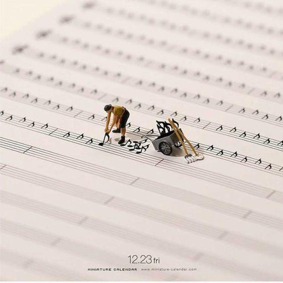 Miniatuurtaferelen van de Japanse kunstenaar Tatsuya Tanaka.