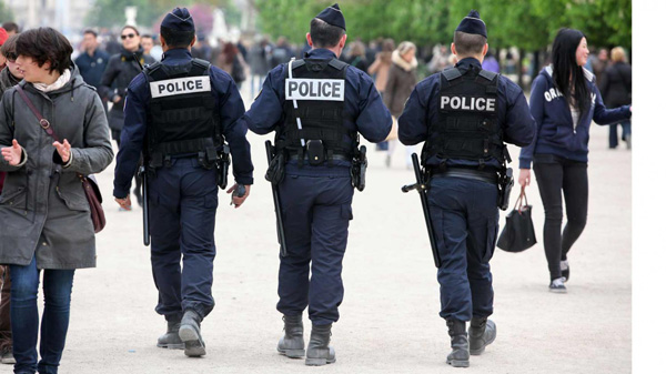 Hoofddeksels van de Franse politie.
