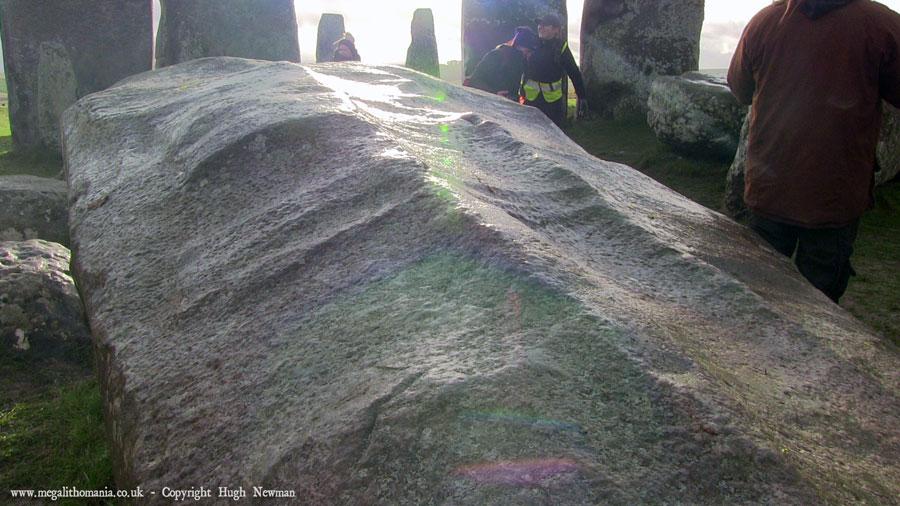 Stonehenge monoliet met 'ijsschep' markeringen.